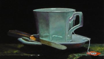 teacup_on_green_marble